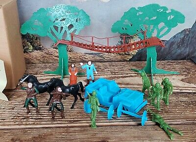Vintage Multiple Planet of the Apes Play Set Hard Plastic made for Sears 60mm
