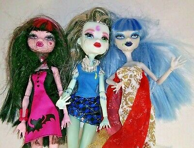 Monster High Dolls 2008 lot of 3 dolls with Clothes Pre-Owned Mattel
