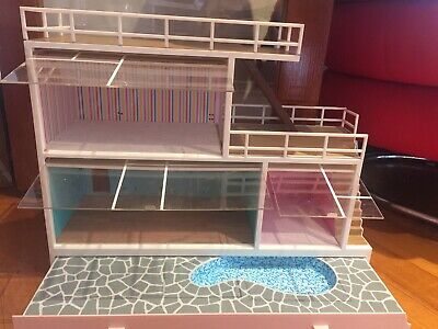 Lundby doll house/ With Swimming Pool And Windows/ Carpet/ Lights