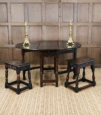 A small 17th century gateleg table