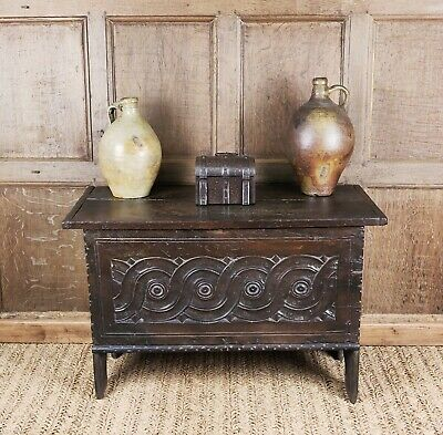 A small 17thC plank coffer