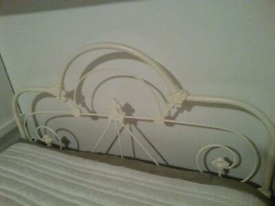 Victorian Cast Iron Bed / White / King Single / Much loved since restoration