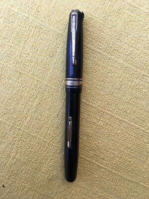 Vintage Watermans W5 Fountain Pen With 14ct Gold Nib.