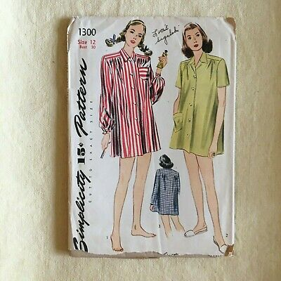 Simplicity 1300 vintage sewing pattern night shirt / gown 1940s-1950s loose fit