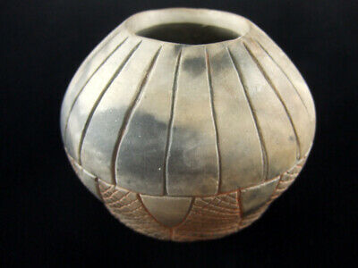 Fine Authentic Engraved Arkansas Pottery Jar With COA Indian Arrowheads