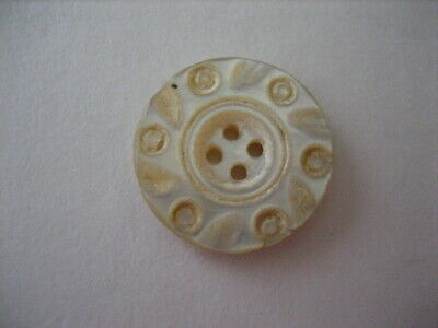 "Vintage Small 3/4"" Carved MOP Mother Of Pearl Shell Button - PD72"