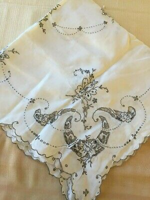 Vintage Embroidered Card Bridge Table Tablecloth Cut Out Scallop Flowers