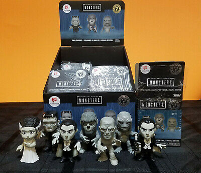 Funko Mystery Minis Universal Studios Monsters B&W Exclusive Lot of 7 + Display