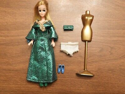 """Vintage Dawn Topper doll 6"""" with #716 Green Slink outfit,blue shoes & dress form"""