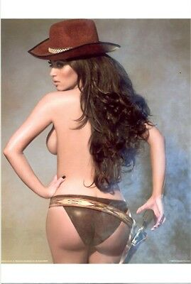 Kim Kardashian - Cowgirl, Kim ??????????   Great Butt Shot !!!!