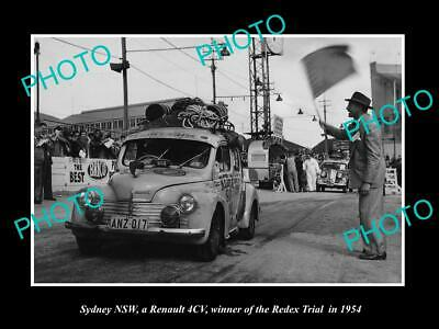 8x6 HISTORIC PHOTO OF SYDNEY NSW RENAULT 4CV RACE CAR IN THE REDEX TRIAL 1954