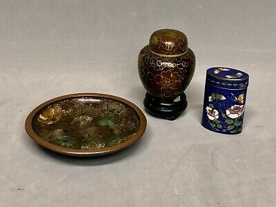 Vtg Chinese Cloisonne Enamel Pin Dish w/ Lidded Jar wood Stand & Blue Lidded Jar
