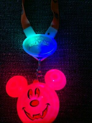 Disney Halloween 2019 Mickey Pumpkin Glow Light Up Lanyard NEW