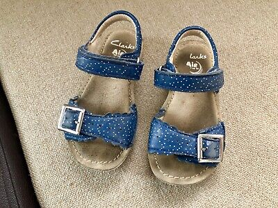 Girls Pretty Clarks Sandals Infant Size 7 F