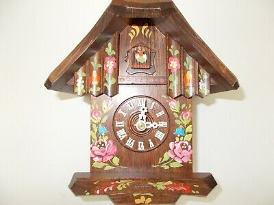 Pretty Black Forest Chalet Cuckoo Clock