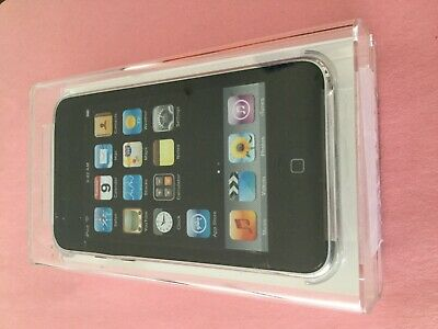 Apple iPod touch 2nd Generation Black (16 GB) - Bundle....great battery life