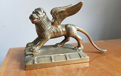 winged lion of st mark  statue