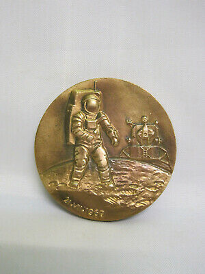 Medal. Space. Armstrong. USA.
