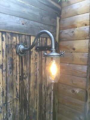 Vintage Refurbished Swan Neck Light Outdoor Cast Iron Light Revo Style Free P&P