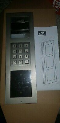 2N Telecommunications IP Verso intercom with keypad and card ready 9155101c