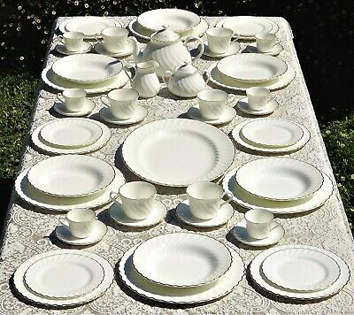 """Wedgwood """"Gold Chelsea"""" 52 piece dinner & Tea set for 6 excellent condition!!!"""