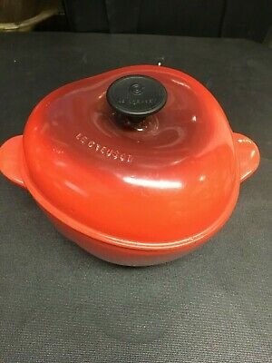 Le Creuset Cast Iron/Enamel 2 qt Dutch Oven  Apple  France HTF Used