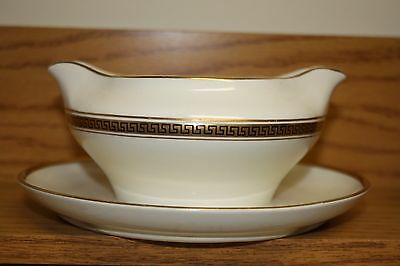 CLEVELAND CHINA WARRANTED 18 Carat Gold GRAVY/SAUCE BOAT DISH w/attached saucer