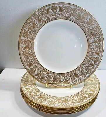 Set of 6 Wedgwood Gold Florentine  Dinner Plates Mint Condition W4219 Dragons