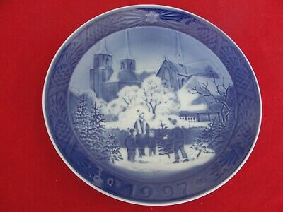 1997 Royal Copenhagen Christmas  Plate Roskilde Cathedral