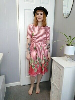Pretty vintage 80s pleated pink white and green dress size small