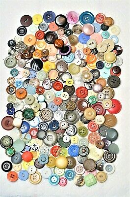 VTG Estate Lot Antique Buttons - Plastics Colt Carved Celluloid Bakelite Lucite
