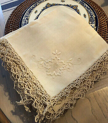 Gorgeous Estate Antique Linen Napkins Daisy Embroidered Hand Done Tatted Edge 12