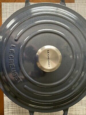 New Le Creuset Midnight Blue 7.25 Quart Round Dutch Oven With Lid - Rare Color