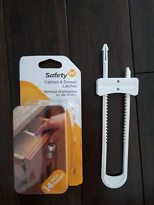 Safety 1st Cabinet & Drawer Latches ( 14-pack ) & 1 Cabinet Slide Lock