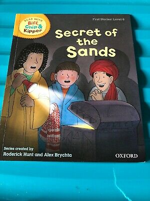 Biff, Chip and Kipper book level 6 - Secret Of The Sands