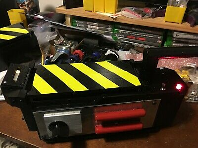 Ghostbusters ghost trap with lights and pedal removeable cartridge