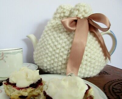 Hand Knitted Chunky Moss Stitch Tea cosy