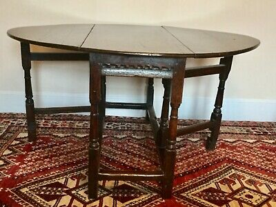 Delightful 17th Century Large Oak Gate-Leg Drop Leaf Table