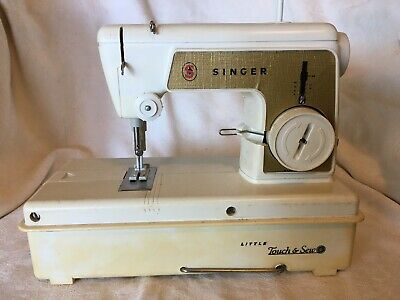 Vintage 1960's Singer Little Touch & Sew Childrens Sewing Machine 67A23 UnTested
