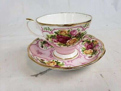 Royal Albert Bone China PINK CAMEO TEA CUP AND SAUCER Gold Rim Set GL2