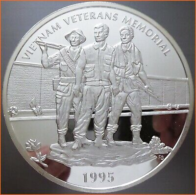 8 oz .999 Silver VIETNAM VETERANS MEMORIAL 1995 ART ROUND 4257 (1)