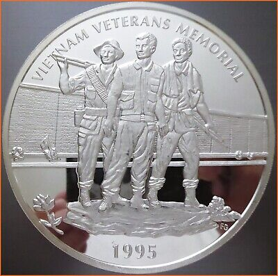 8 oz .999 Silver VIETNAM VETERANS MEMORIAL 1995 ART ROUND 4258 (1)