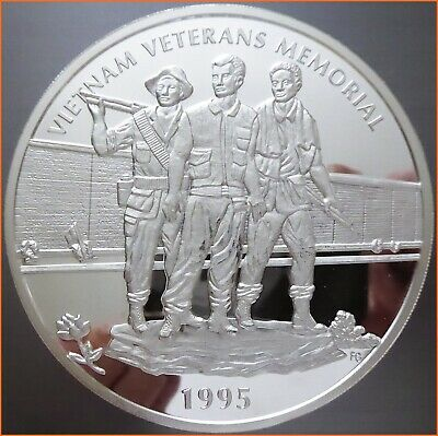 8 oz .999 Silver VIETNAM VETERANS MEMORIAL 1995 ART ROUND 4259 (1)