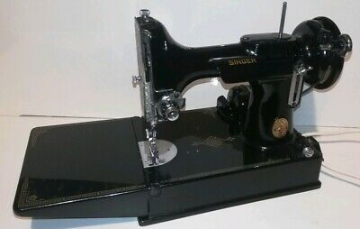Vintage Singer Featherweight 221K Sewing Machine & Case Working 1949 Serial No