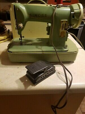 Vintage Singer 185K Compact Heavy Duty Steel Sewing Machine Works Green w/Case