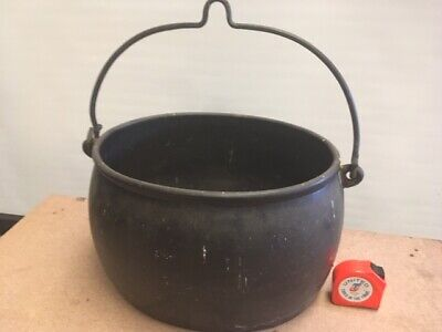 Lovely Old Antique Vintage Heavy Black Cast Iron Gypsy Cauldron Cooking Pot