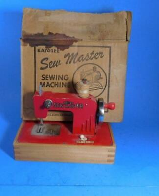Kay-an-ee Sew Master Miniature Sewing Machine US. Zone Germany Berlin w/Box