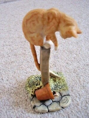 Collectable hand made in Scotland by border fine Arts cat figure-ornament,6