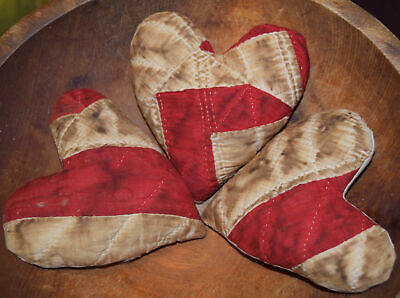 """Primitive 3 Small Bowl Fillers 4"""" Hearts Red Cupboard Tucks"""