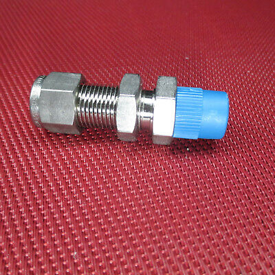 "Swagelok® 3/8""Tube OD x 1/4""NPT Male Pipe BULKHEAD CONNECTOR 316 Stainless Steel"